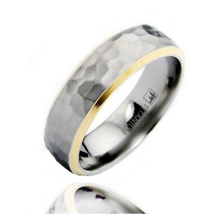 Aranyozott Titánium Karika Gyűrű Kalapácsolt Mintával