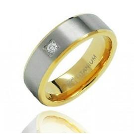Aranyozott Titánium Karikagyűrű Cirkóniával
