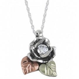 Black Hills Ezüst Rózsa Medál Szintetikus Gyémánttal